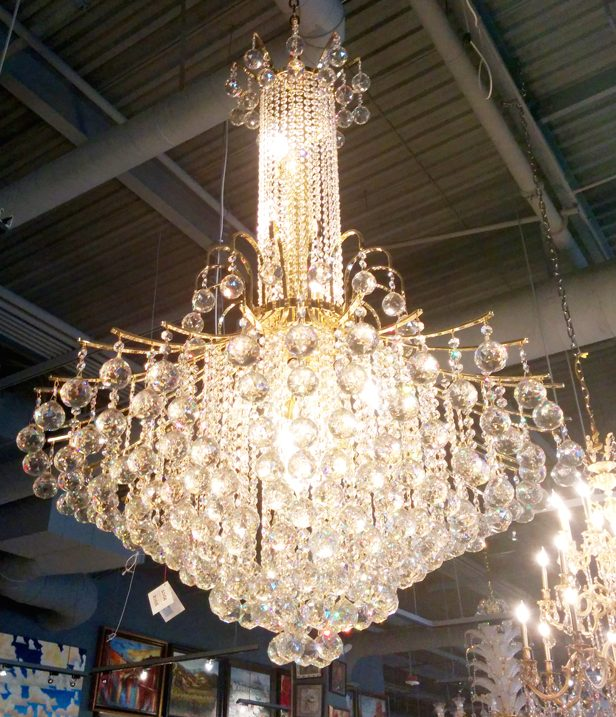 Incredible large entry chandelier 4521